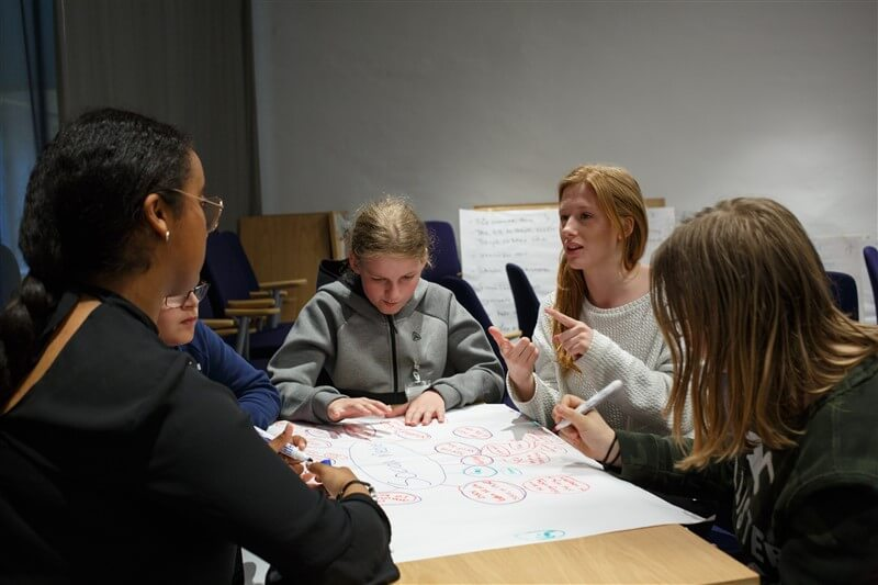 זריקת מרץ: מהפכת CBT ליועצים חינוכיים, צוות החינוך המיוחד ופסיכולוגים חינוכיים בתכנית שיא בייעוץ של מכון פסגות